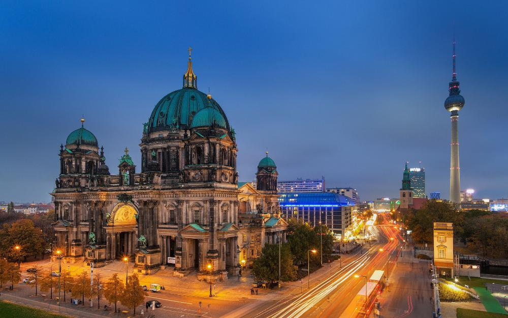 750501-berlin-wallpaper